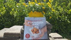 Zelf bitterballen maken met het bourgondische bitterballenboek van bitterballenkoningin Ilona de Wit