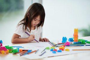 Kleuren op nummer voor kinderen, educatief en ontspannend.
